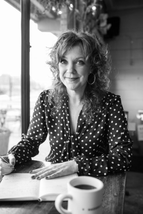 Jennifer Justus — Journalist + Author